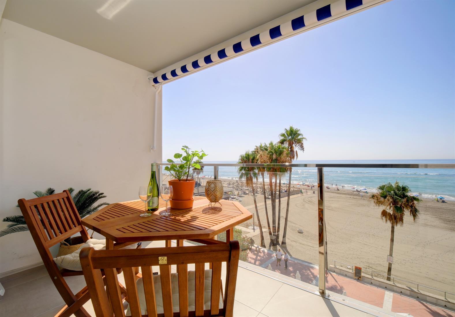 Estepona Old Town Boulevard seaview apartment (7)