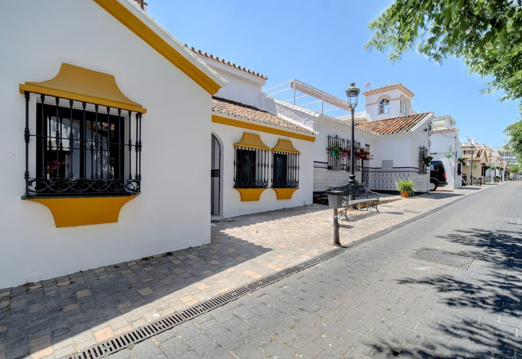 Fishermans Cottage Estepona - Renovated townhouse sea view in center 8